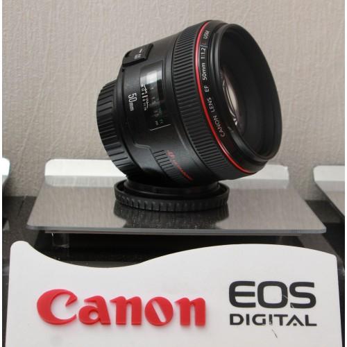 Canon EF 50mm f/1.2L USM /Code UE/ Fullbox/ Mới 99%.